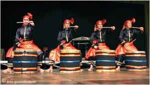 http://www.waibe.fr/sites/photoeg/medias/images/FET_FOLK/indo_10.jpg
