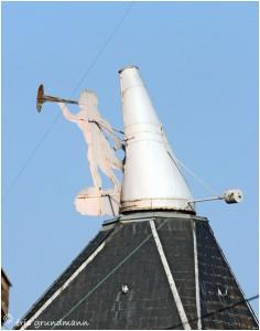 http://www.waibe.fr/sites/photoeg/medias/images/__HIDDEN__galerie_36/ornements_toit_096.jpg