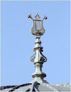 http://www.waibe.fr/sites/photoeg/medias/images/__HIDDEN__galerie_41/ornements_toit_089.jpg