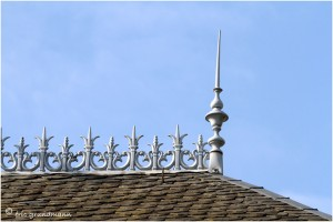 http://www.waibe.fr/sites/photoeg/medias/images/__HIDDEN__galerie_41/ornements_toit_cretes.jpg