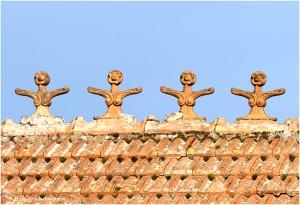 http://www.waibe.fr/sites/photoeg/medias/images/__HIDDEN__galerie_41/ornements_toit_cretes__7_.jpg