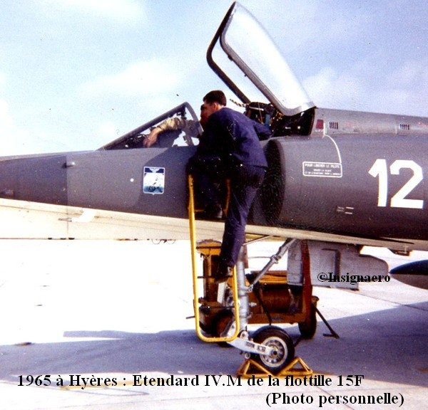 1965 Hyeres. Etendard IV M de la 15F