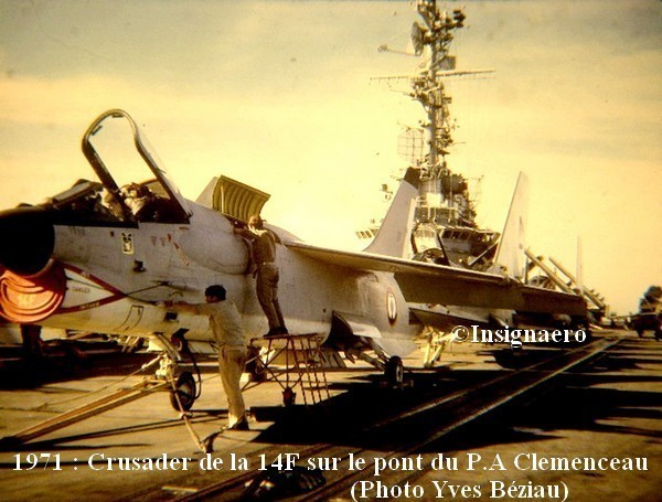 Crusader de la 14F en 1971 sur le Clemenceau . A1