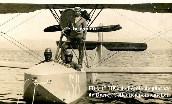 Un FBA 17 HE2 de l ecole de pilotage de Berre avec son pilote