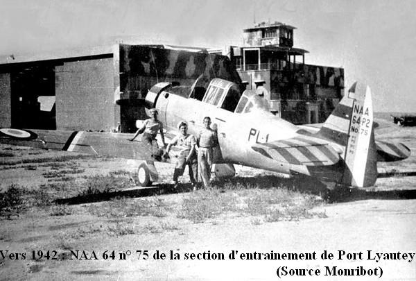 Vers 1942 NAA 64 de la section d entrainement de Port Lyautey