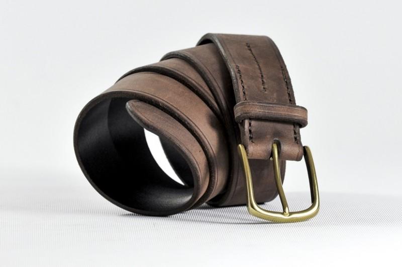 Nom   Ceinture artisanale cuir vieilli marron. ATTENTION mesurez votre tour  de taille (cm)ou tour de hanche si pantalon taille basse et non la longueur  de ... 30eeaf46f01
