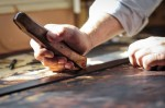 https://www.waibe.fr/sites/cuir/medias/images/Fabrication_artisanale/3-ceinture-cuir-sur-mesure-37.jpg