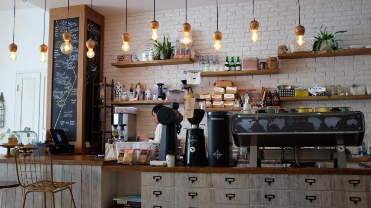 coffee shop 1209863 1920