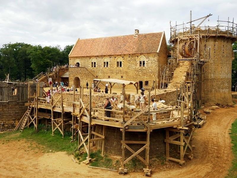 chantier medieval de guedelon 4f61ec2791947