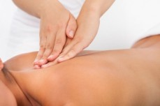 Fotolia 57322825 XS 131214 Massage dos