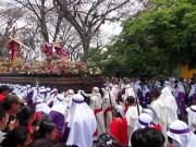 https://www.waibe.fr/sites/micmary/medias/images/Guatemala/G-285-Antigua-Cortege.JPG
