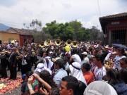 https://www.waibe.fr/sites/micmary/medias/images/Guatemala/G-290-Antigua-Cortege.JPG