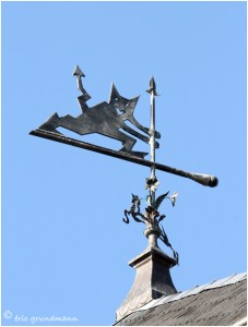 https://www.waibe.fr/sites/photoeg/medias/images/__HIDDEN__galerie_41/ornements_toit_038.jpg