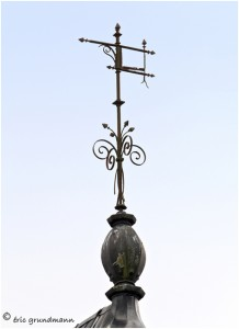 https://www.waibe.fr/sites/photoeg/medias/images/__HIDDEN__galerie_41/ornements_toit_053.jpg