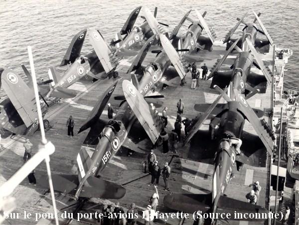 La flottille 15F et ses Corsair sur le pont du P.A Lafayette