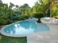 https://www.waibe.fr/sites/xxl06/medias/images/exterieur/08_exterieur_piscine.PV__.jpg